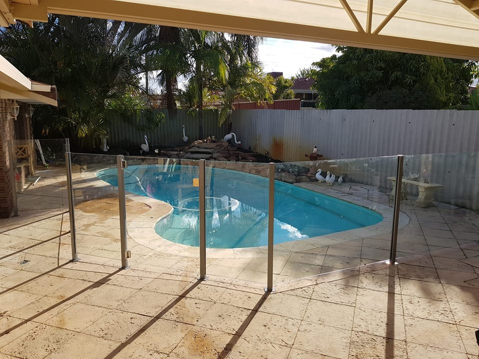 Semi Frameless Fencing
